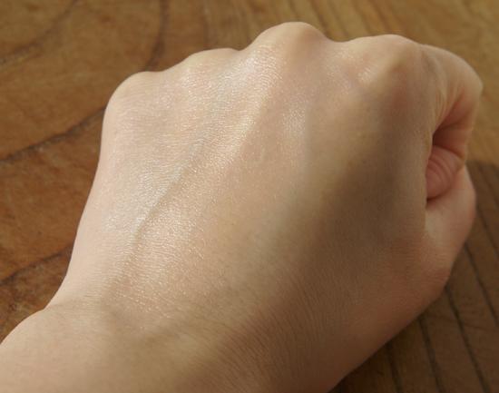 アンプルール マルジョンゲル 手に使用 キメ整う